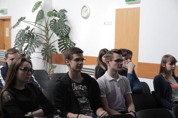 Лекции, подготовленные учеными Института, очень заинтересовали старшеклассников